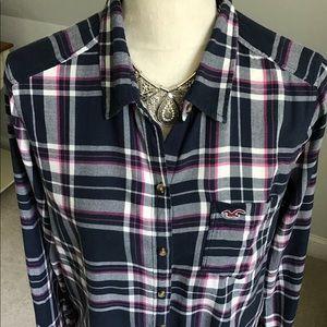 Hollister Tops - 🍂Hollister Navy Plaid Button Down Shirt Size L
